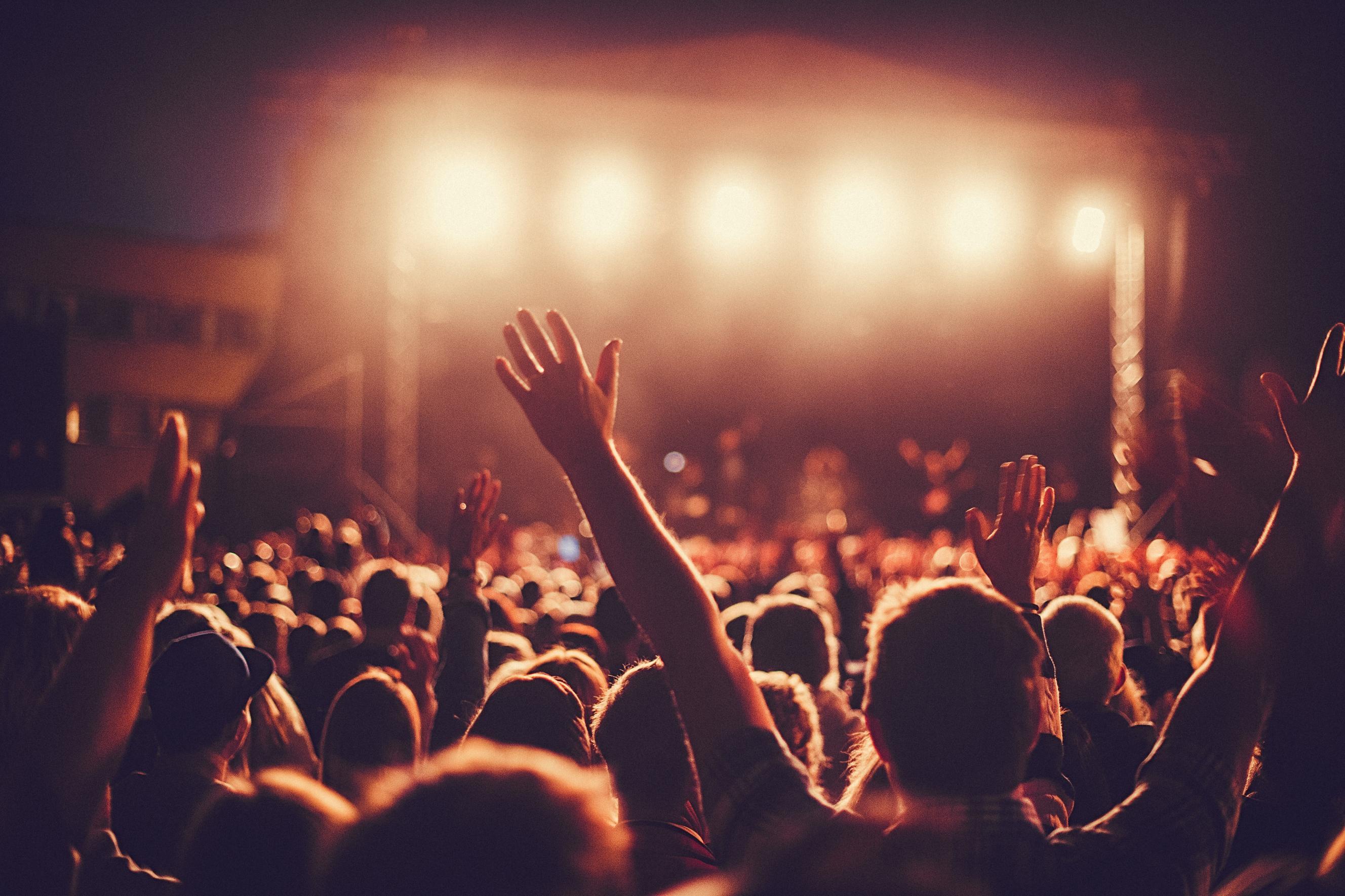 отличие зрители на концерте картинки всего люди размещают