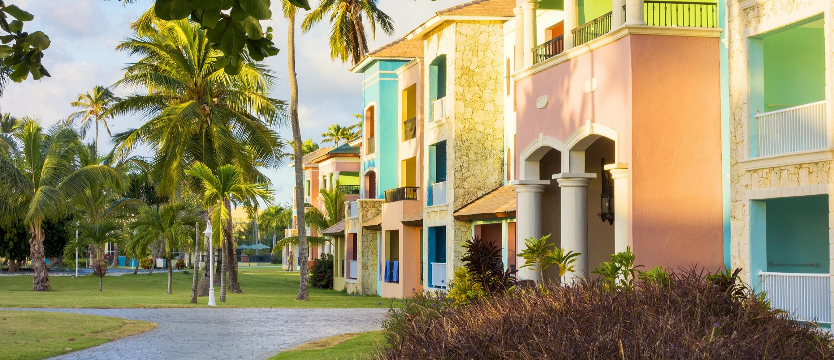 How Satellite TV is Changing Lives in St. Maarten
